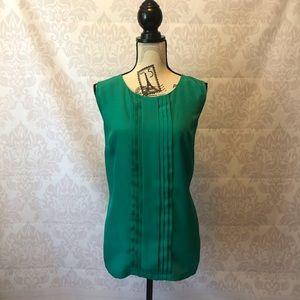 Gorgeous emerald green blouse